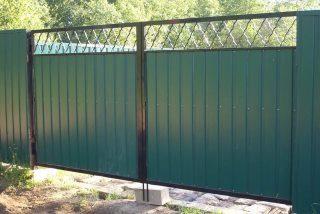 Фото процесса производства Распашные ворота для дачи в Воронеже